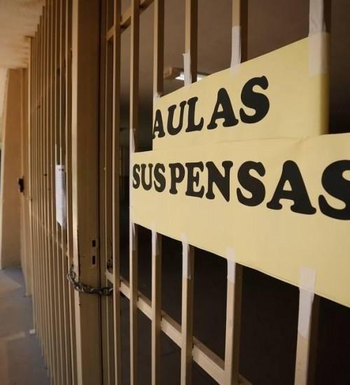 Aulas da rede estadual não serão retomadas após 30 de abril.