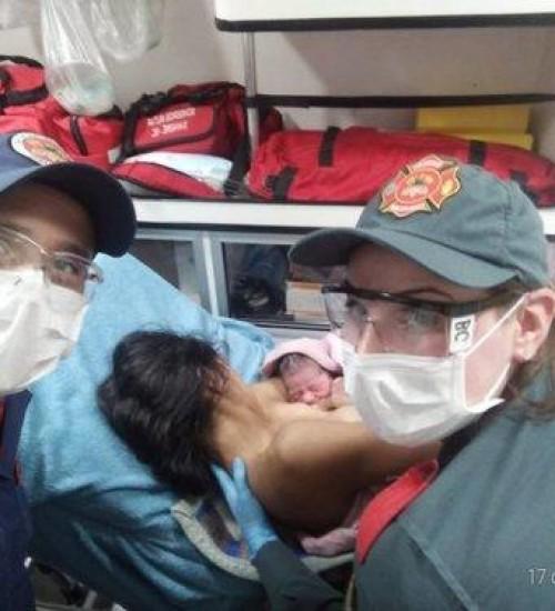 Mulher dá à luz em casa e é atendida pelos bombeiros; no Oeste Catarinense.