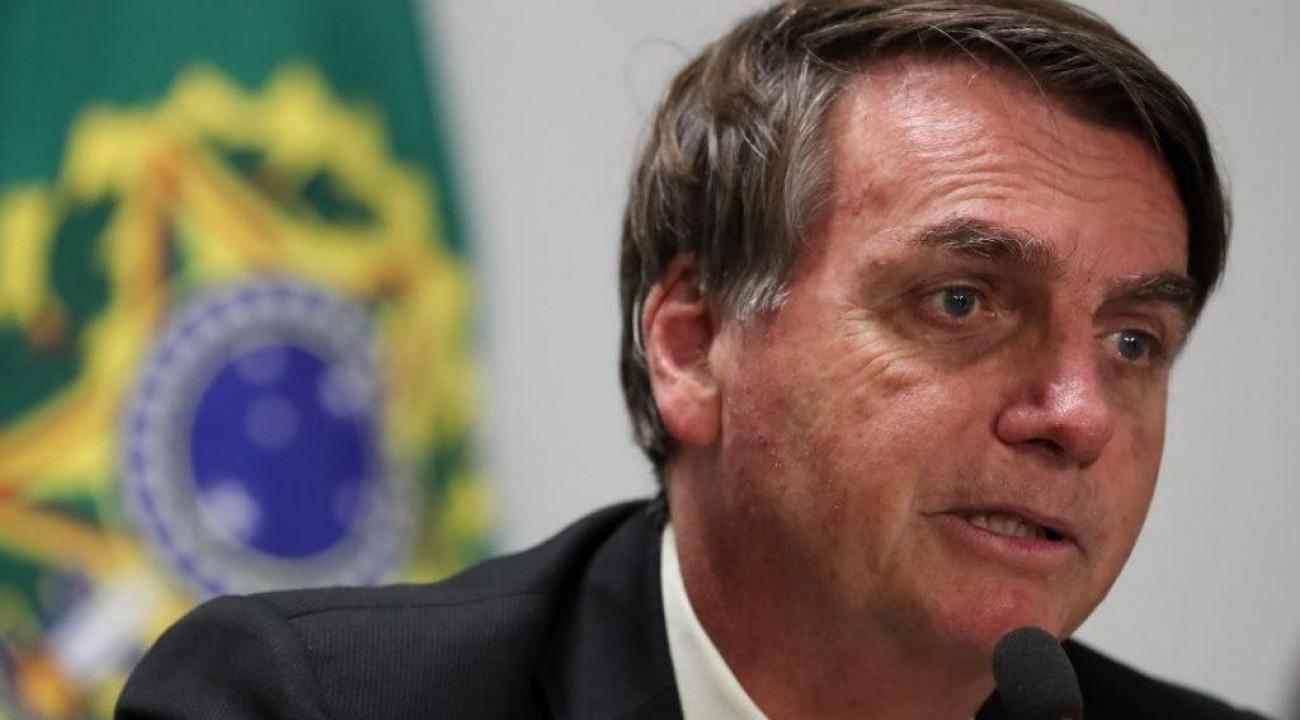 Bolsonaro afirma que irá propor que auxílio emergencial pague quarta parcela.
