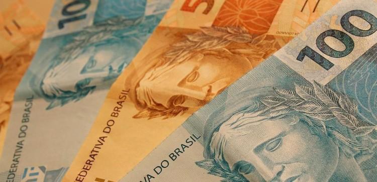 Com pandemia, PIB encolhe 1,5% no primeiro trimestre, diz IBGE.