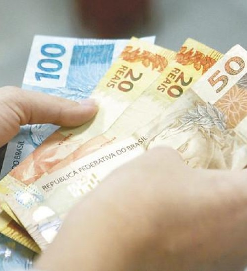 Bolsonaro sanciona lei do salário-mínimo 2020.