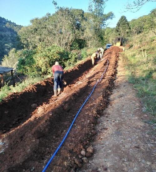 Rede de água no Povoado Cominetti