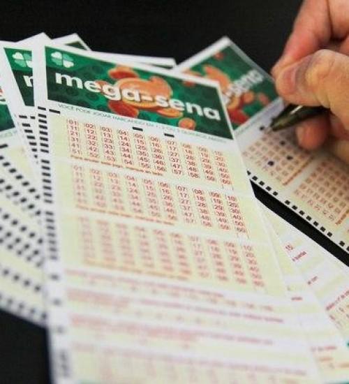 Uma aposta acerta as seis dezenas e leva mais de R$ 45 milhões.