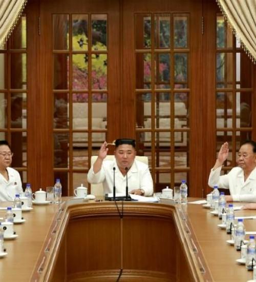 Coreia do Norte divulga imagens de Kim Jong Un.