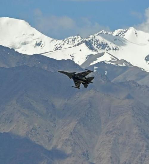 """Índia acusa China de novas """"provocações"""" na fronteira."""