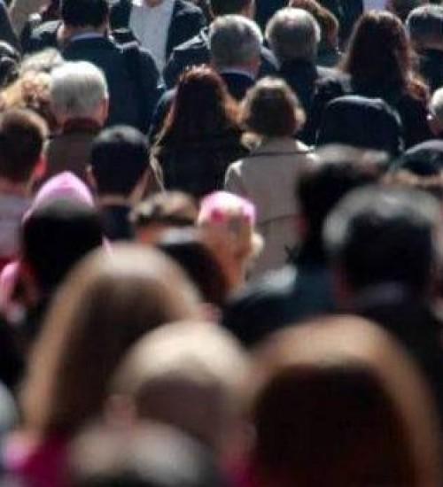 População do Brasil passa de 211,7 milhões de habitantes, estima IBGE.