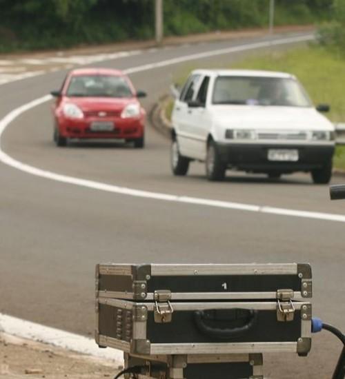 Contran proíbe radar de trânsito oculto e terá que divulgar localização.