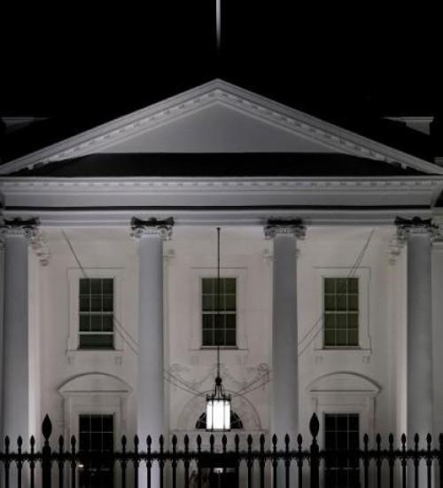 Mulher é detida por envio de envelope com veneno à Casa Branca.