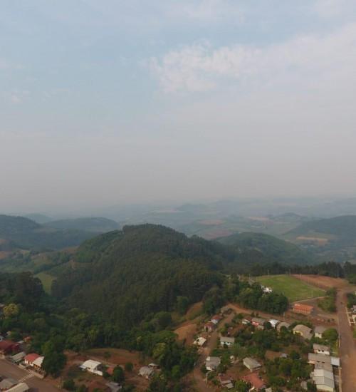 Metade norte gaúcha e oeste catarinense tomados por fumaça.