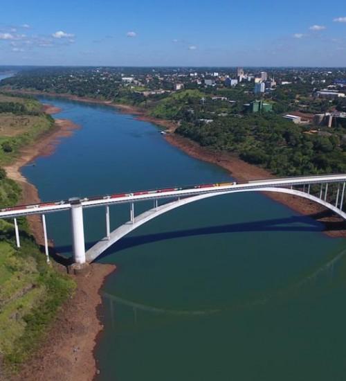 Paraguai retira restrições e libera trânsito livre na fronteira com o Brasil.