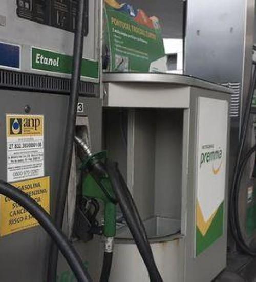 Petrobras reduz preços de gasolina e diesel.