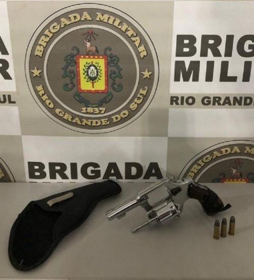 Brigada Militar apreende arma de fogo em Aratiba.