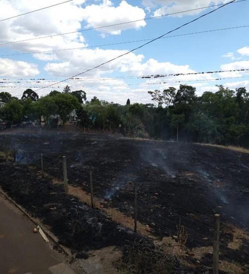 Foguete provoca incêndio em vegetação em São Valentim