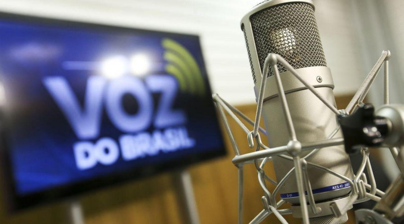 Voz do Brasil voltará a ter horário fixo, decide STF.