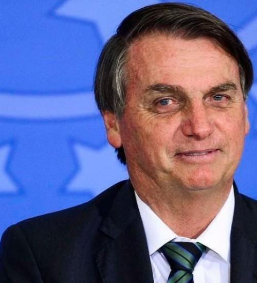 """BOLSONARO: """"A vacina é do Brasil, não é de nenhum governador""""."""