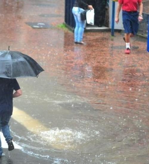 Sexta-feira será de chuva em todo o RS.