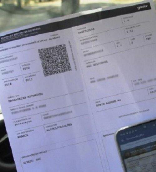 Licenciamento de veículos com placas de final 7 ou 8 vence na quarta-feira (30).