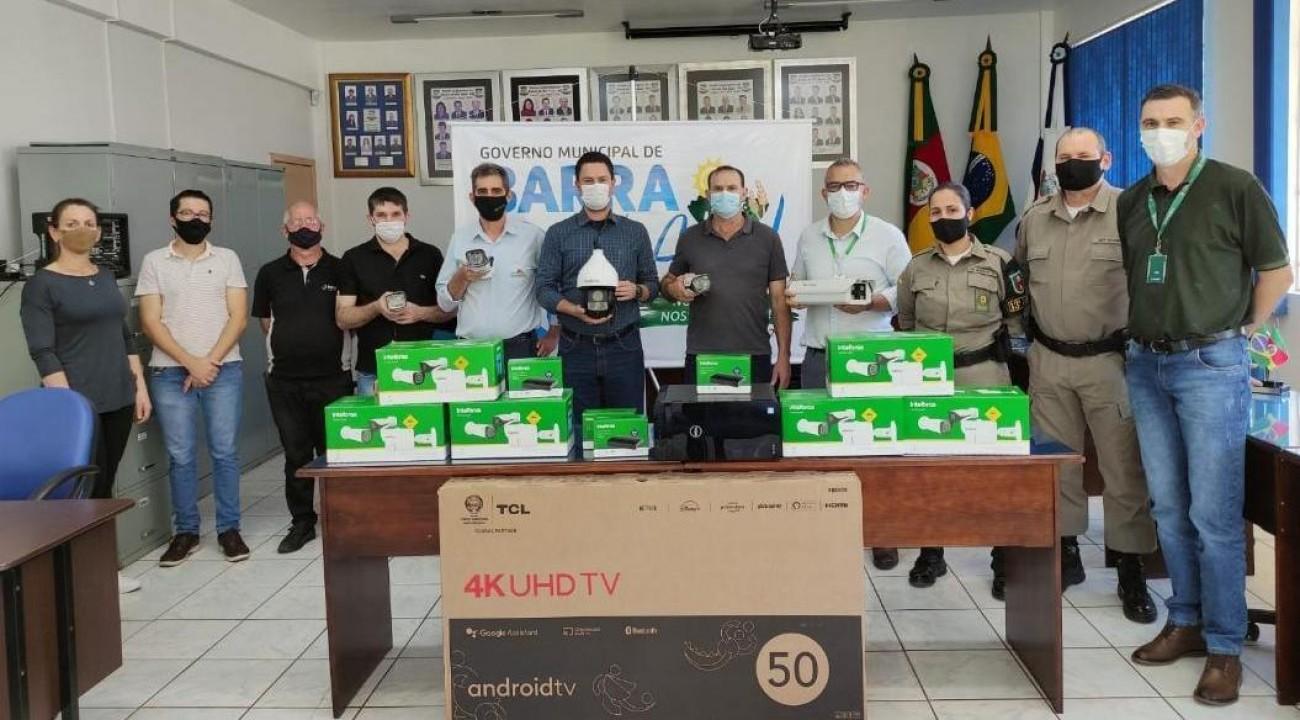 Prefeitura de Barra do Rio Azul inicia instalação de câmeras de videomonitoramento.